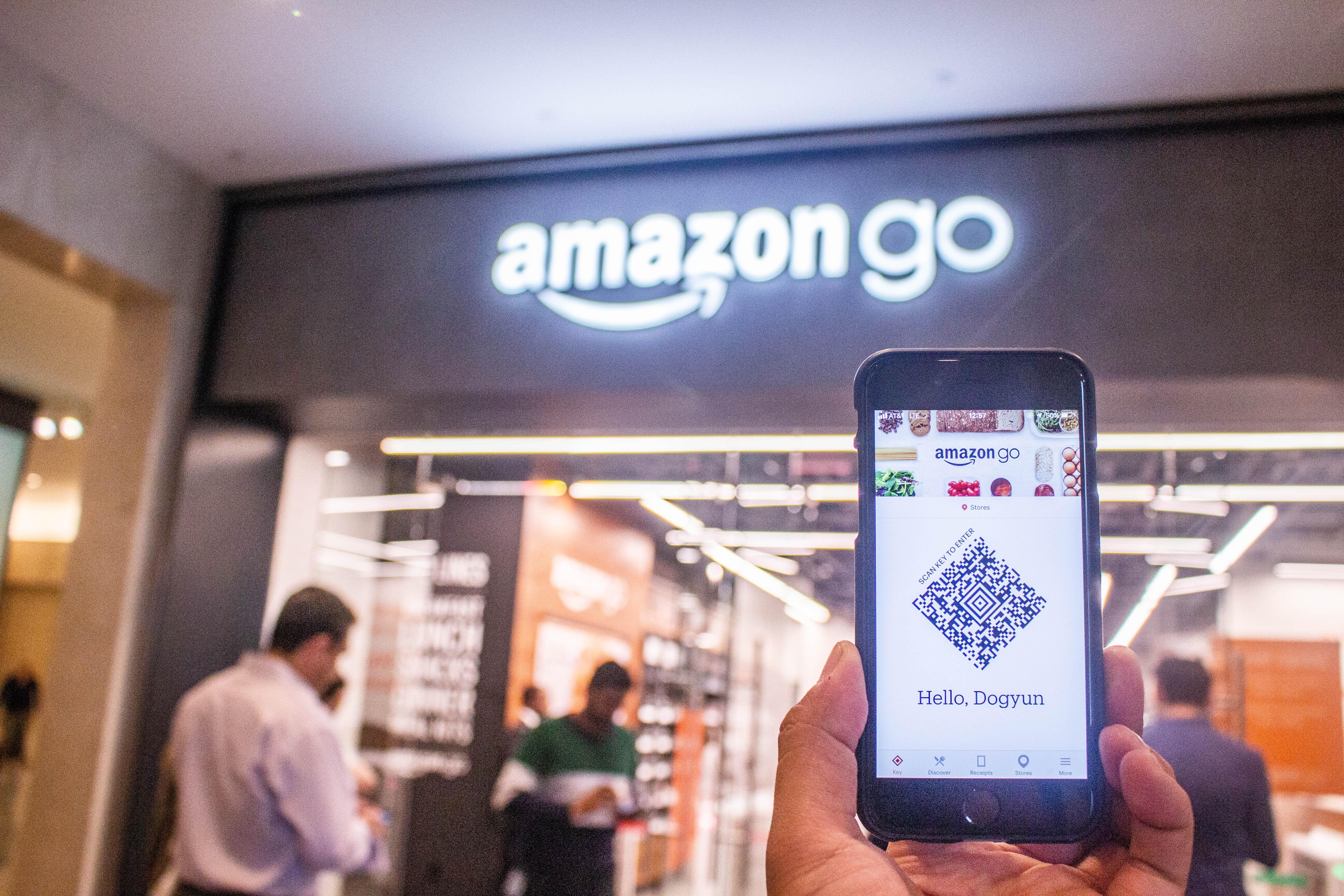 Amazon atacă segmentul supermarketurilor: ce planuri are gigantul online