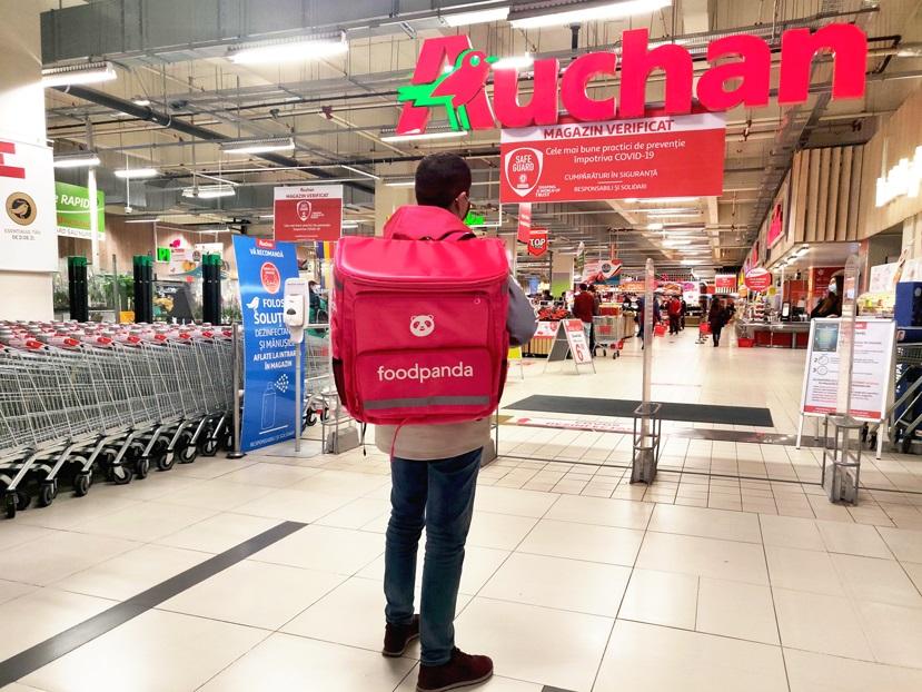 Parteneriat între foodpanda și Auchan: în cât timp promit să îți livreze produsele