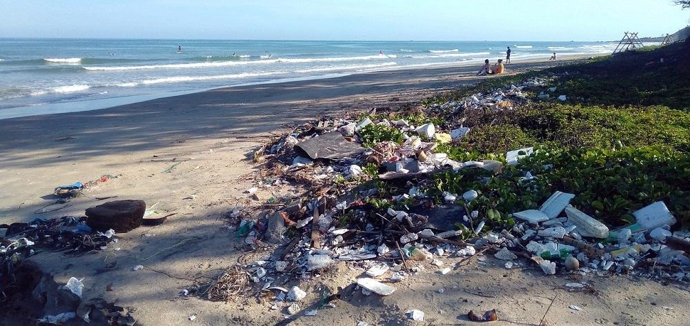 Activist de mediu, despre problema deșeurilor ilegale: