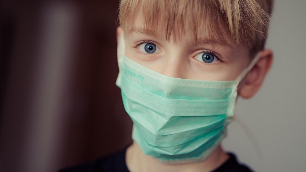 OMS: Varianta Delta nu-i vizează în mod specific pe copii