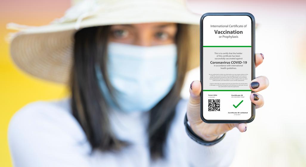 VIDEO | Cum poate fi folosită aplicația care scanează codul QR de pe certificatul de vaccinare