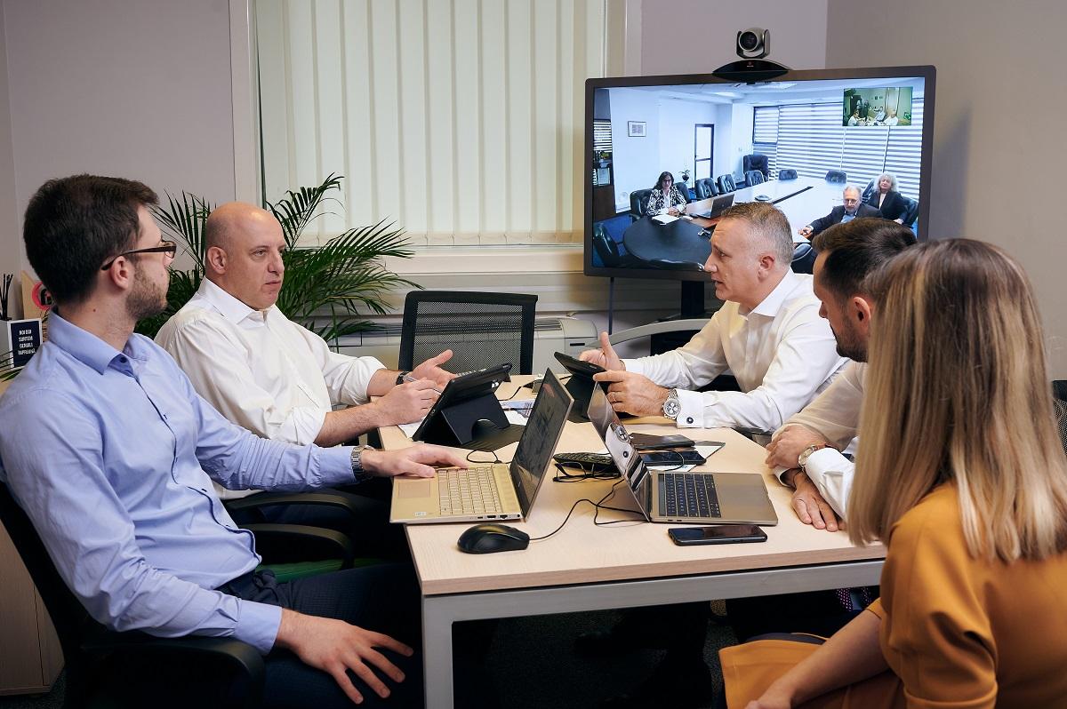 (P) EVERGENT Investments explică procesul riguros aplicat în deciziile de business pentru o bună informare a investitorilor
