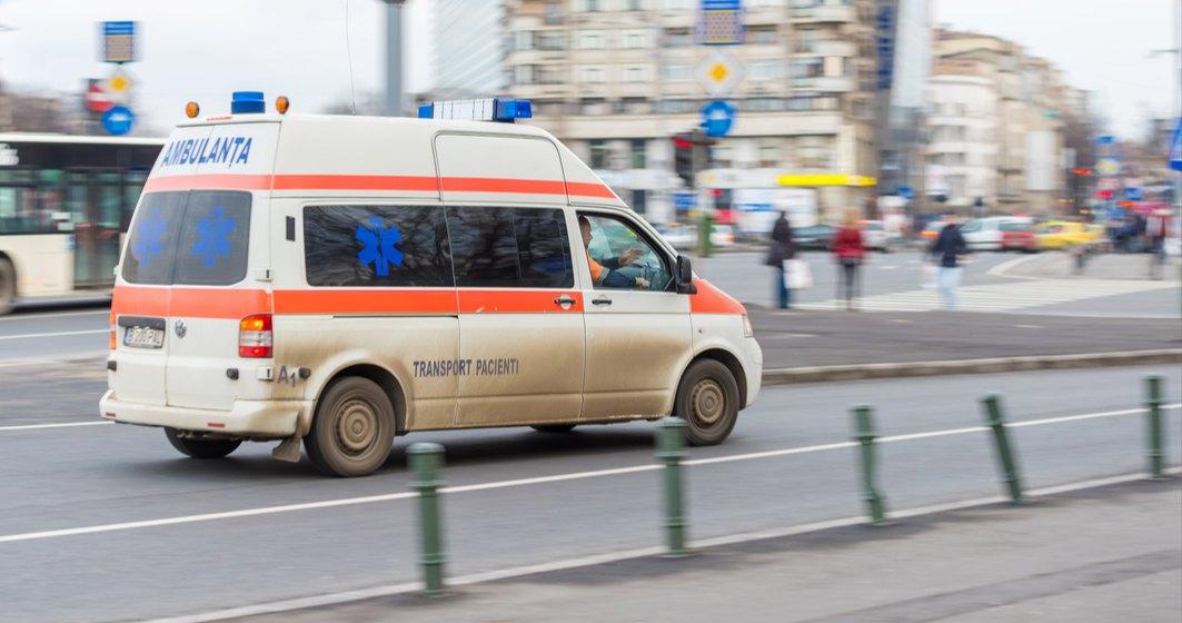 Arafat: Un autobuz din București a fost transformat în ambulanță și va putea transporta 10 pacienți cu COVID
