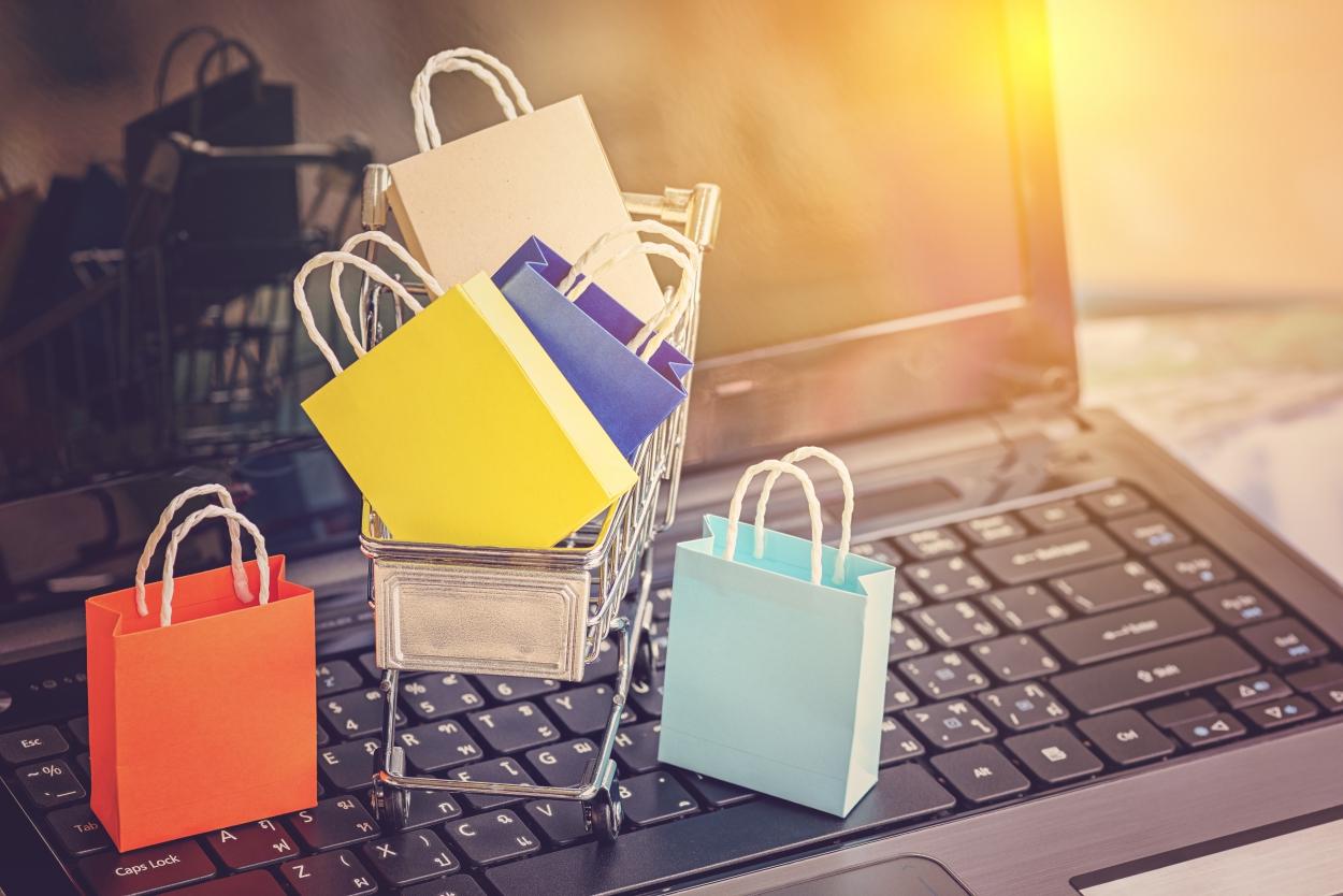 ARMO: Ce măsuri au luat magazinele online și curierii