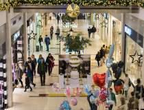Apune moda mall-urilor?...