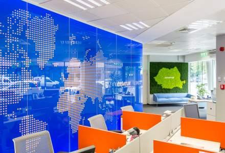 Un sediu luminos si colorat: cum lucreaza consultantii in turism de la Eximtur care vand vacante corporate si de zeci de mii de euro
