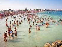Numar mare de turisti se afla...