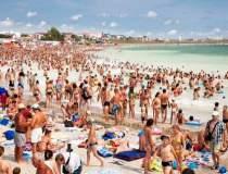 Peste 70.000 de turisti se...