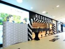 Reserved deschide un magazin...