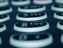 Operatorii mobili isi...