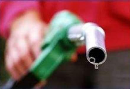 Rompetrol a scumpit benzina si a ieftinit motorina