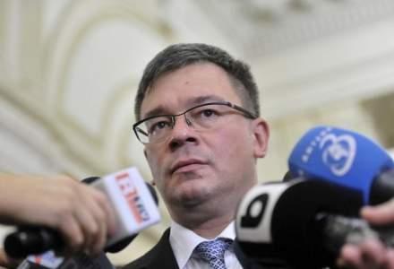 MIhai Razvan Ungureanu a demisionat de la conducerea SIE