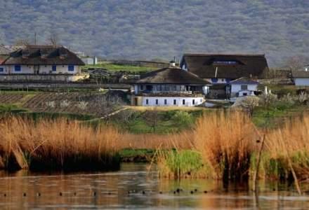 Enisala Safari Village sau cum un roman a conceput un sat de vacanta intre dealuri pustii si salbaticia Deltei Dunarii