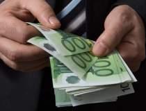 ING: Salariile au crescut cu...