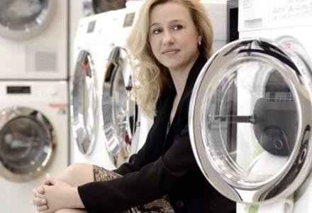 Loredana Butnaru, Miele: Romanii isi iau telefon in rate de 3.000 de lei si nu o masina de spalat care costa la fel
