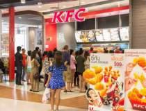 Lantul de restaurante KFC...