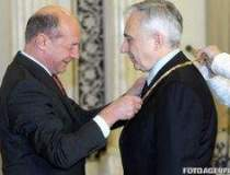 Basescu, ATAC la Isarescu: E...
