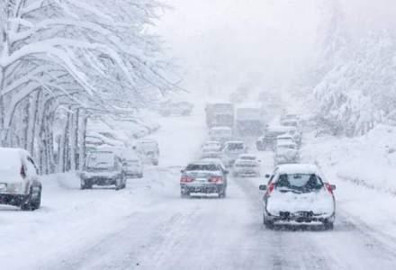 Trafic ingreunat pe DN1, in judetul Cluj, si pe DN67C, in Gorj, din cauza zapezii
