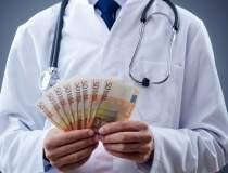Procurori: Medicul Gheorghe...