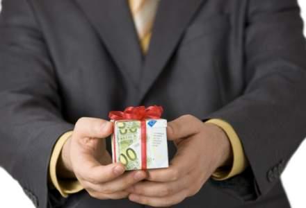 Veste mult asteptata: aproape jumatate din angajatori acorda bonusuri de Sarbatori