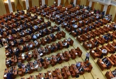 Senatul este legal constituit, toti cei 136 de senatori au depus juramantul