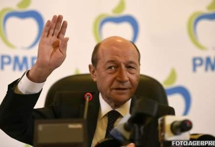 Basescu: Sa spunem adio cotei unice. Tavalugul a pornit cu salariile mari, urmeaza firmele, proprietatile si, de ce nu, aerul