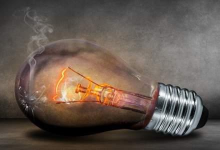 Pretul energiei electrice pe piata spot a bursei OPCOM a ajuns luni dimineata la un nivel maxim de 100 euro/MWh