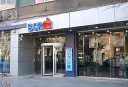 """Profitul BCR s-a prabusit cu 66% in T2. Banca da vina pe """"Ordonanta Creditelor"""""""