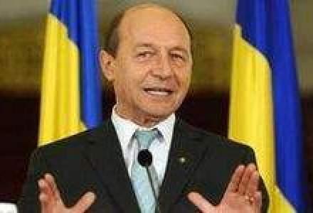 Basescu ii pune la zid pe economisti: Daianu si Cosea nu au fost buni de nimic ca ministri
