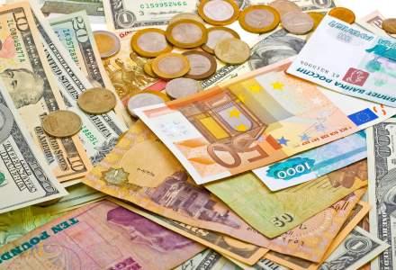 Cursul de schimb depaseste 4,52 lei pentru un euro, in contextul ordonantei de modificare a Codurilor Penale si a protestelor din tara