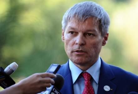 Dacian Ciolos nu exclude sa intre intr-un partid sau sa infiinteze unul: Ma gandesc la toate solutiile pentru a fi util