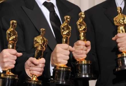 """Oscar 2017: """"La La Land"""" si """"Moonlight"""" se bat pentru cel mai bun film. """"La La Land"""", Emma Stone si Damiel Chazelle, favoritii caselor de pariuri"""