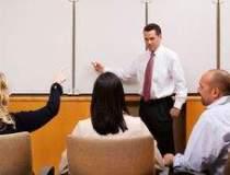 Pe bancile scolii: Managerii...