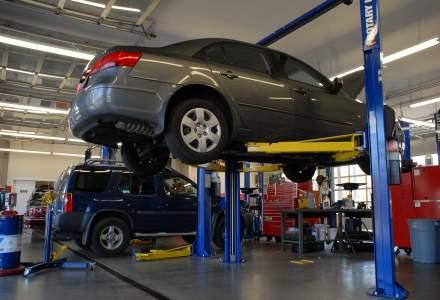 Cat ajungi sa scoti din buzunar daca dai cu masina intr-o groapa: costurile pot depasi usor si 1.000 de euro