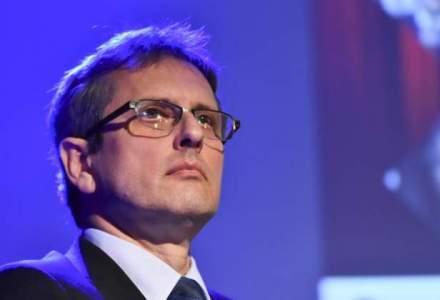 Valentin Lazea, BNR: Romania se poate conduce extrem de usor numai cu taieri de taxe si cresteri de salarii