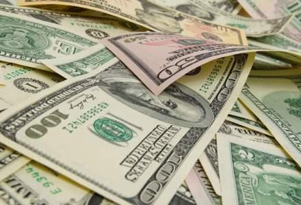 O romanca a incercat sa intre in tara cu 2.000 de dolari falsi