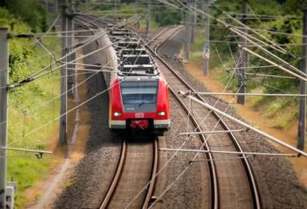 Un tren de marfa a deraiat intre Petrosani si Simeria. Cei doi mecanici au murit. Traficul feroviar in zona este blocat