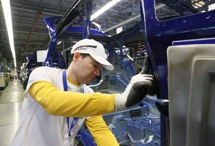 Am lucrat o zi in fabrica unde romanii produc masinile gigantului Ford: 7 ore si 24 de minute de asamblat si alte operatiuni