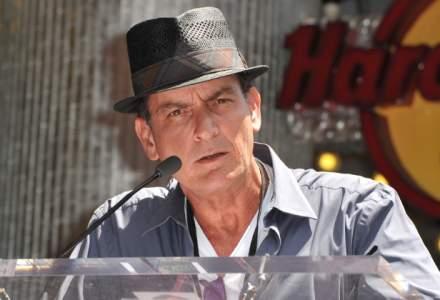 Avionul privat al actorului Charlie Sheen a fost perchezitionat de o brigada antidrog, dupa o vacanta in Mexic