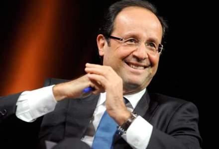 "Francois Hollande le cere francezilor sa voteze ""de dragul Frantei si al Europei"" cu Emmanuel Macron"