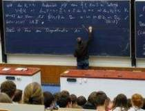 Topul programelor de studii...