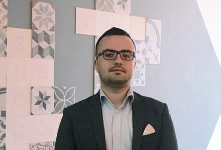 MBA la Londra, s-a intors in Romania pentru a dezvolta un CRM propriu