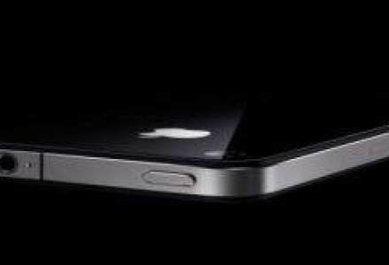 "iPhone 4S: Terminalul Apple trebuie sa fie ""mai putin premium"""