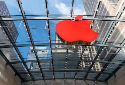 Apple a devenit prima companie americana a carei capitalizare a depasit 800 de miliarde de dolari