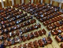Parlamentul se reuneste, joi,...