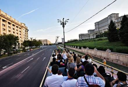 """Autobuzele turistice """"Bucharest City Tour"""" se reintroduc din 15 mai"""