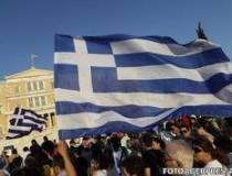 Grecia se prabuseste mai...