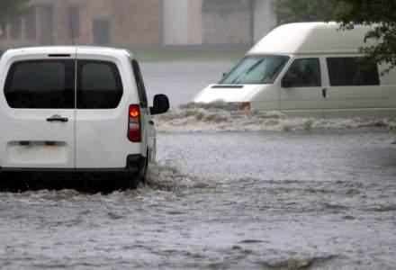 Cod galben de inundatii in bazine hidrografice din 13 judete pana luni la pranz