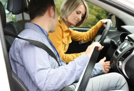 Proba practica a examenului de obtinere a permisului auto, inregistrata video si audio