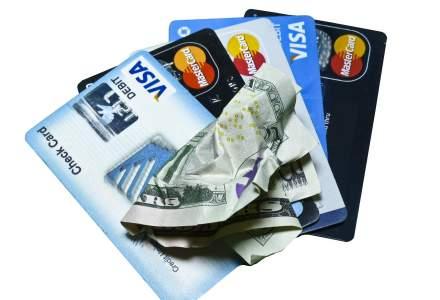 Numarul cardurilor contactless a depasit 8 milioane. Cum isi impart piata cele doua scheme de plata - Visa si MasterCard
